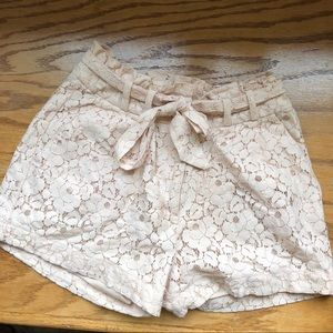 H&M🌻High Waisted Lace Shorts